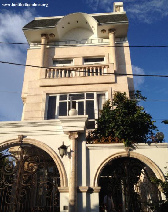 Bán biệt thự KDC Phú Nhận, Thủ Đức, gần sông Sài Gòn, nội thất cao cấp