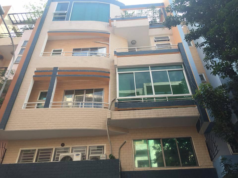 Bán biệt thự Chu Văn An ngay chung cư Đất Phương Nam 8x16m 4 lầu