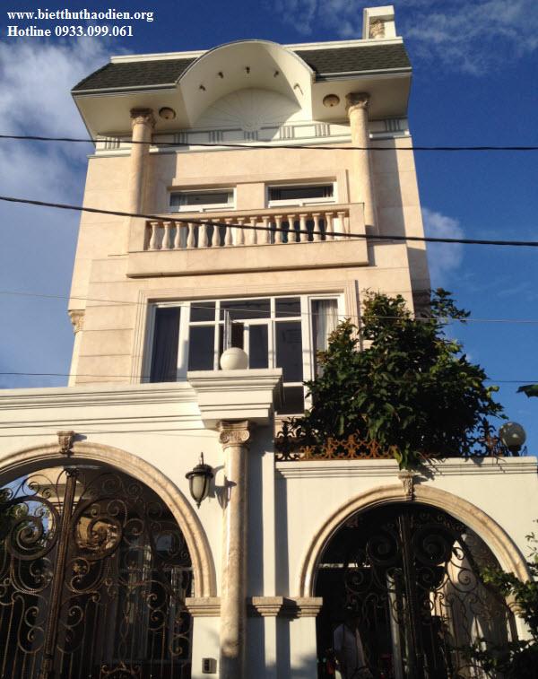 Biệt thự cao cấp cho thuê, ngay bờ sông Sài Gòn, chỉ 15 phút đến Tân Sơn Nhất