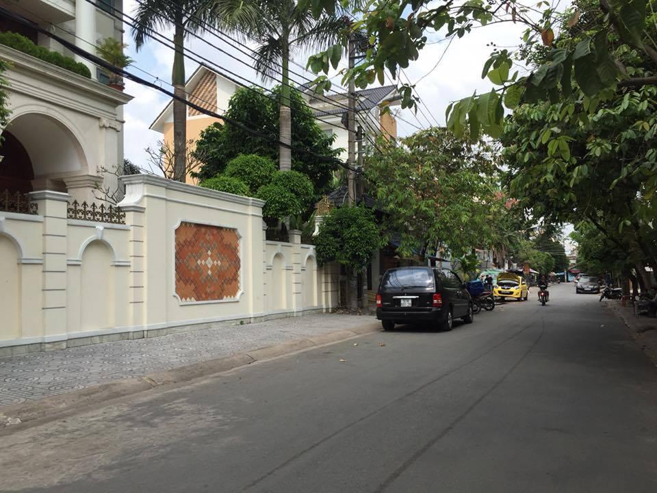 Bán biệt thự Chu Văn An phường 26 Bình Thạnh 10x20m hướng ĐN